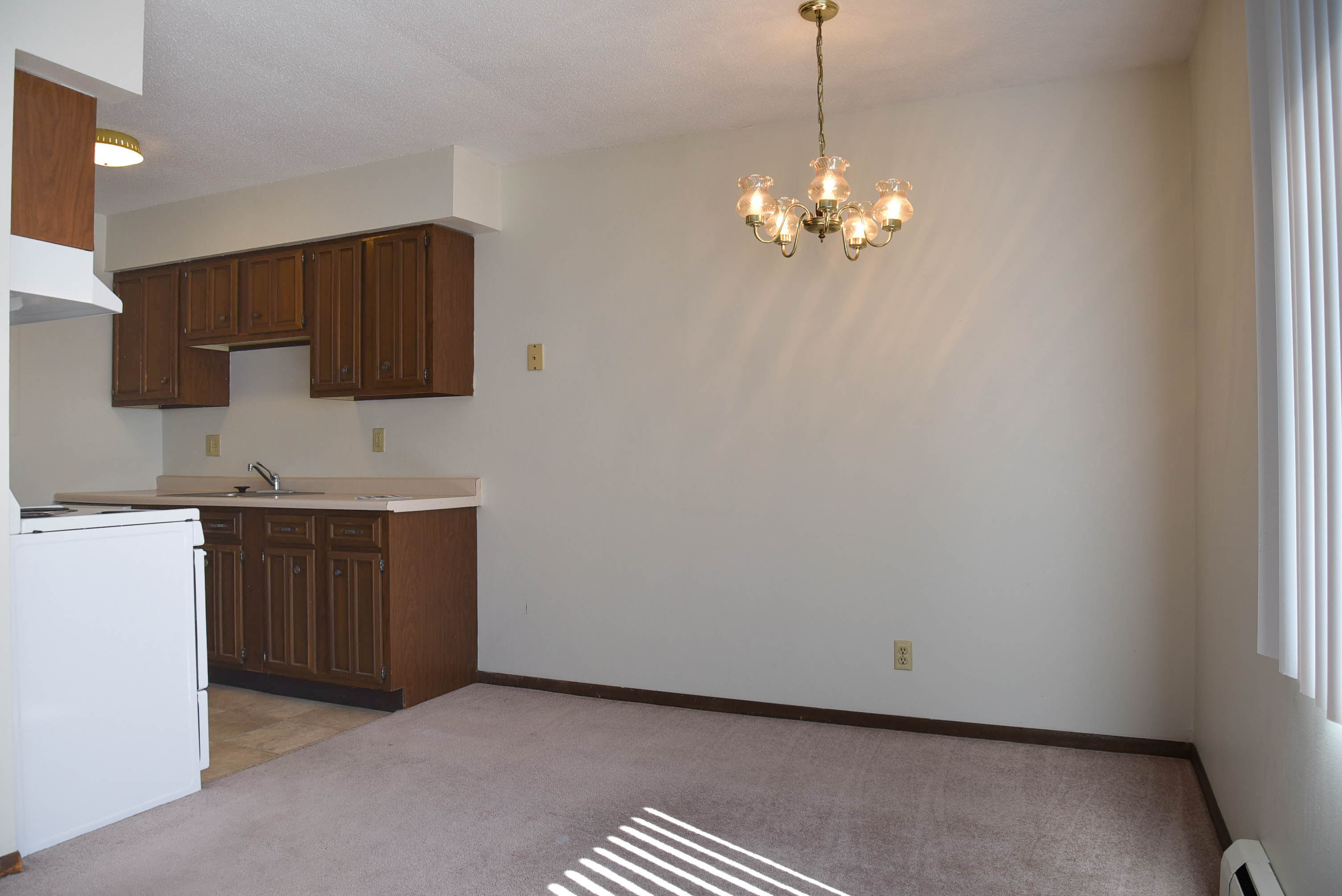 1735 Edgewood Rd NW-Int #3