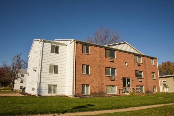 Eight 20 Apartments